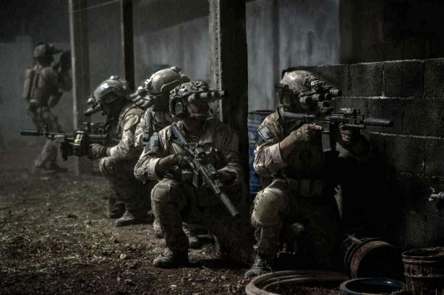 NSWDG (team 6)- în operațiunea de lichidare a lui Osama bin Laden (imagine din filmul Zero Dark Thirty)